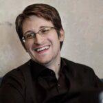 Snowden desmiente su muerte en Twitter con cita de Mark Twain