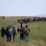 UE deja sola a Grecia en crisis de refugiados, denuncia Bild