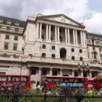 Banco de Inglaterra recorta al 0.25% los tipos de interés