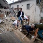 Terremoto en Italia: Asciende al menos a 159 la lista de fallecidos (VIDEO)