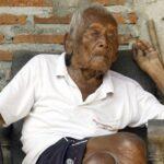 Un indonesio sostiene que nació en 1870, hace 145 años