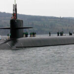 EEUU: Submarino nuclear con misiles balísticos choca con barco