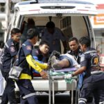 Tailandia: Al menos 25 muertos al colisionar dos vehículos en una carretera