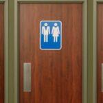 Juez texano bloquea la ley de baños transgénero de Obama
