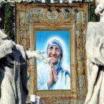 Papa: Teresa se hizo oír ante poderosos culpables de pobreza