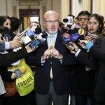 Bruce: Vacancia para alcaldes que entreguen títulos en zonas de riesgo