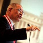 Debe modificarse norma que excluye al Congreso de fiscalización de la Contraloría