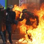 Francia: Choques entre manifestantes y policías dejan12 heridos