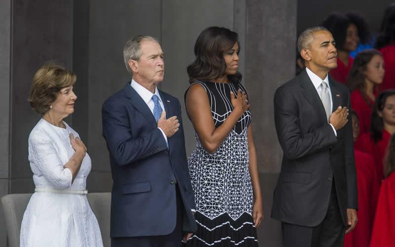 Obama-Bush-señoras