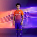 Manchester City lanza nueva camiseta para Champions League