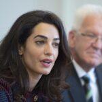 """Alemania: Amal Clooney denuncia """"terror"""" del EI contra mujeres yazidíes"""