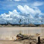 Gobierno usará drones contra minería ilegal en reserva natural de Amazonía