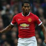 Manchester United prohíbe a sus jugadores regalar camisetas