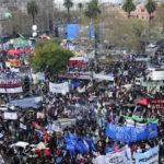 Argentina: Tras marcha de protesta gremios anuncian paro nacional