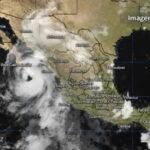 México: Huracán Newton llega con vientos de hasta 150 kilómetros por hora (VIDEO)