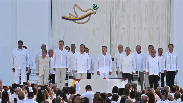 Colombia firma acuerdo histórico por la paz con las FARC