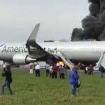 EEUU: Se incendió avión que se disponía a despegar en Chicago (VIDEO)
