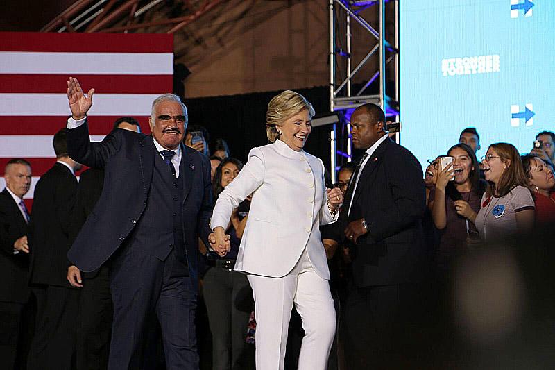 Clinton231003