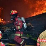 Incendio en un depósito del Ministerio de Salud en El Agustino