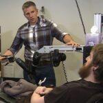 EEUU: Joven recupera el tacto gracias a implante cerebral y brazo robótico