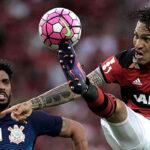 Flamengo empata con Corinthians con doblete de Paolo Guerrero
