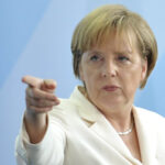 Alemania: Merkel pide a plataformas de Internet revelar algoritmos secretos