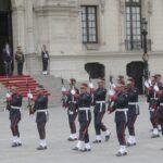 Ministro del Interior encabezó tradicional Cambio de Guardia en Palacio de Gobierno