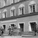 Gobierno austríaco decide derribar la casa natal de Adolf Hitler
