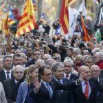 Líder catalán irá a tribunal europeo si es inhabilitado por ser independentista