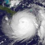 EEUU: Cancelan clases en Florida y aumenta temor por huracán Matthew  (VIDEO)