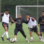Selección peruana entrena mientras 'extranjeros' se suman a blanquirroja