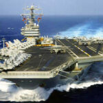 EEUU: Se estrella caza del portaaviones nuclear que se dirige a Corea