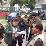 San Isidro multa a cambistas por seguir trabajando en la vía pública
