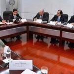 """Colombia: """"La paz está cerca"""" afirma Santos tras reunirse con Uribe (VIDEO)"""