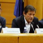 España: Socialistas divididos deciden mañana formación de nuevo Gobierno