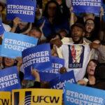 """EEUU: Republicanos pagan US$ 5 mil por gritar """"Bill Clinton es violador"""""""