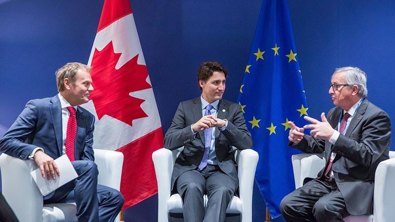 La Unión Europea y Canadá firman polémico acuerdo económico