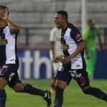 Universitario vs Alianza Lima: Blanquiazules ganan el clásico en mesa