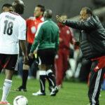 """""""Trotamundos"""" Palacios nuevo entrenador del Pirates sudafricano"""
