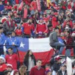 FIFA multa a Chile por cánticos xenofóbicos contra selección peruana