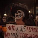 México: Mujeres disfrazadas de calavera protestan contra feminicidio