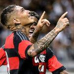 Paolo Guerrero anota en el triunfo de Flamengo 2-0 sobre Sport Recife