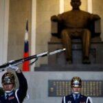 Pekín honra a Sun Yat-sen, padre de la China moderna, en su 150 aniversario