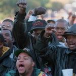 EEUU: Afroamericanos se oponen más que latinos a construir muro con México