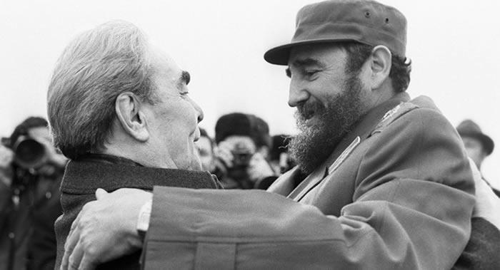 castro breshnev