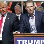 Hijo de Donald Trump viola ley estatal al publicar foto de su papeleta