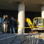 Corea del Sur: Hombre arremete con excavadora contra edificio de fiscalìa