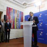 Francia: Escrutinio de primarias de la derecha confirma que Fillon arrolla