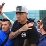 Selección peruana: Paolo Guerrero llegó a Lima con fuerte dolor en el hombro