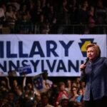 "Hillary Clinton insta a votantes a ""forjar puentes, no muros"" (VIDEO)"